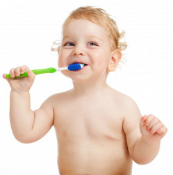 best-age-for-baby-to-brush-teeth